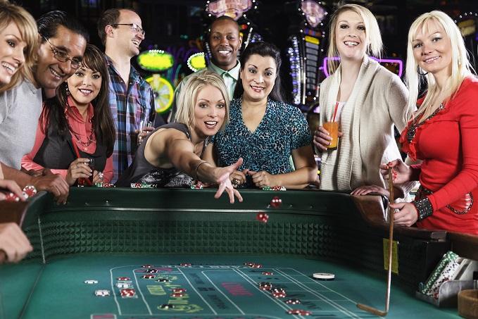 REAL CASINO GAMING VERSUS VIRTUAL CASINO GAMING