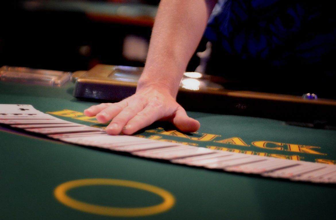 How to beat the house in online gambling
