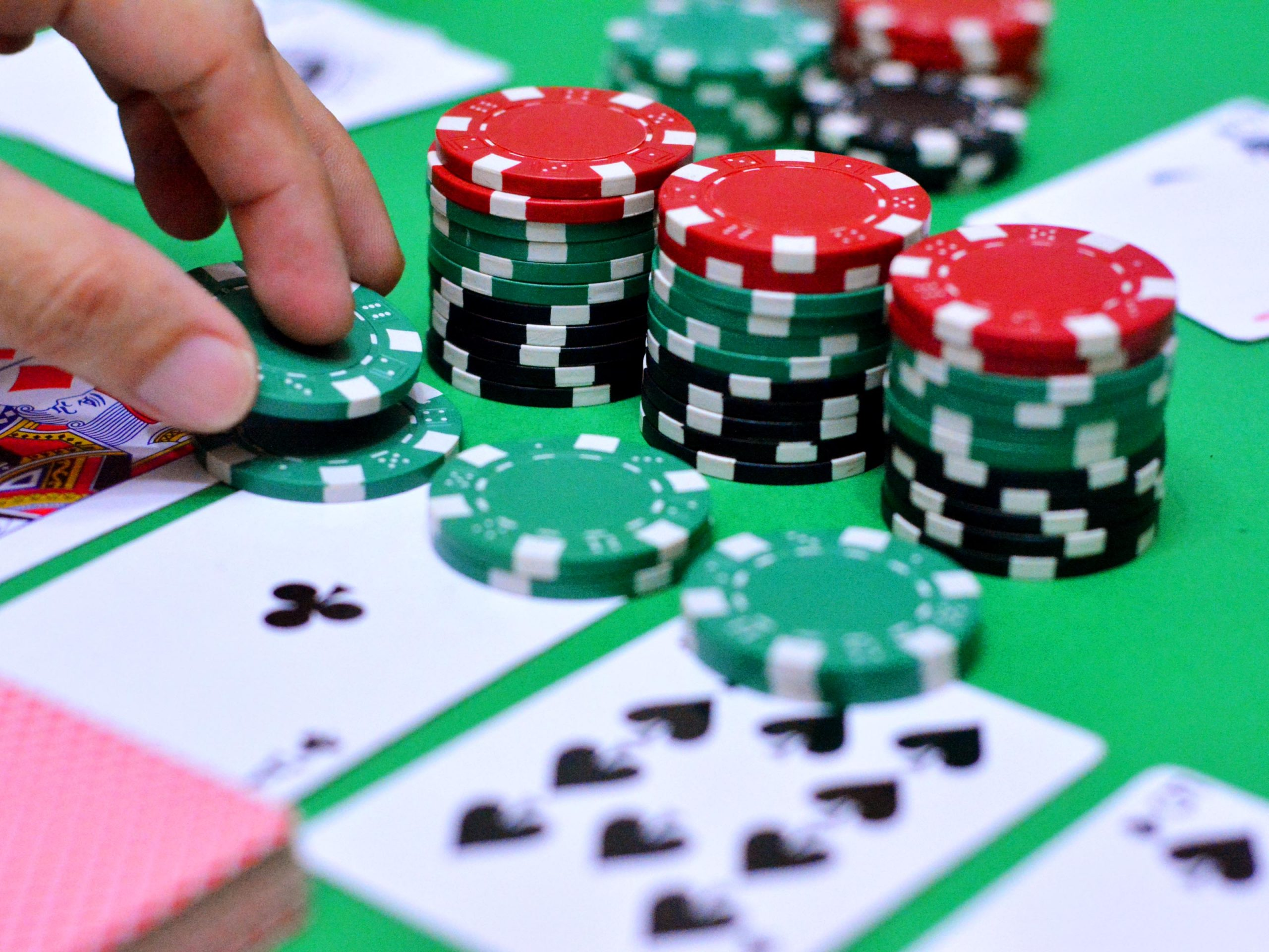 The Technological Help in Winning Poker Online