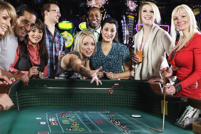 REAL CASINO GAMING VERSUS VIRTUAL CASINO GAMING