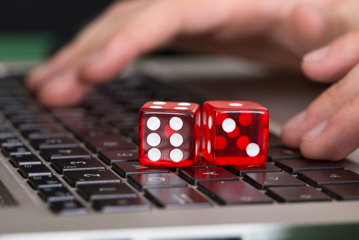 Playing Online Slot To Win With Fun